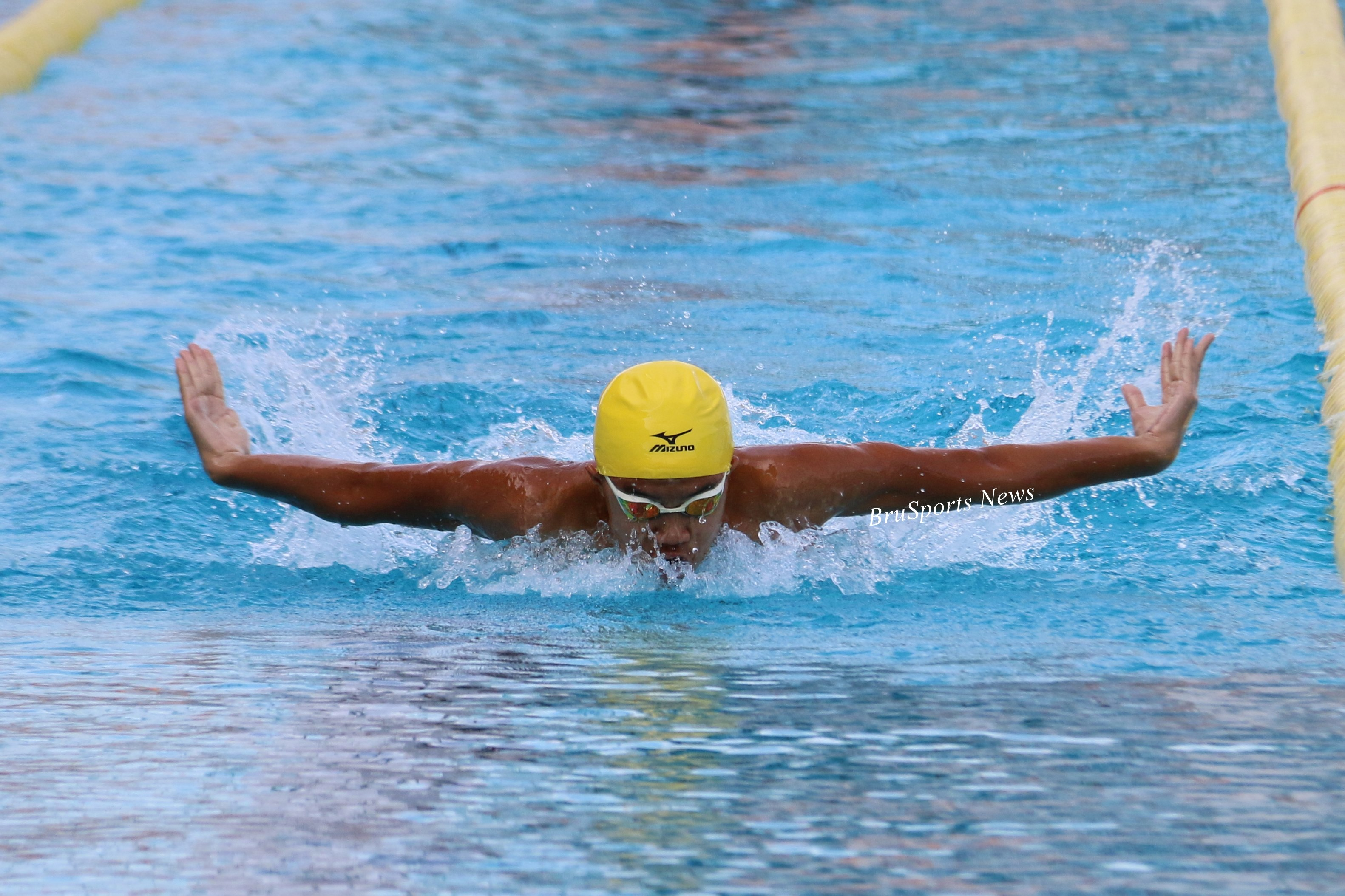 Vietnam dominate first day of 41st SEA AG Swimming Championships