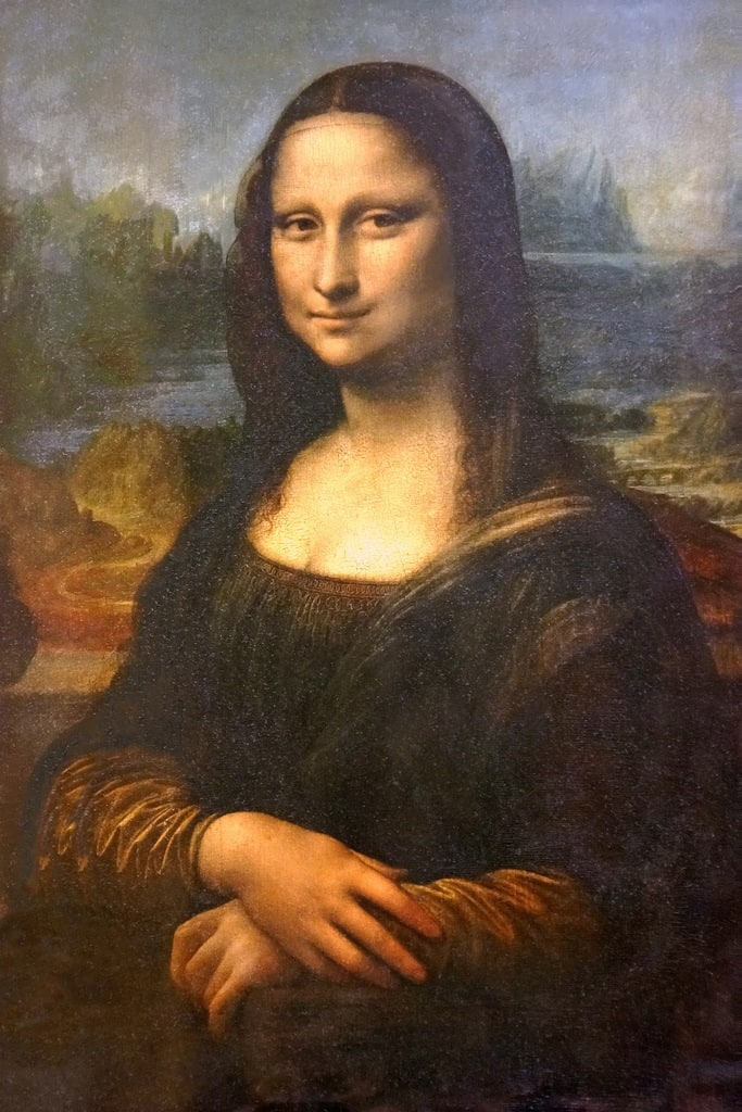 mona lisa photo - she's friendly distant