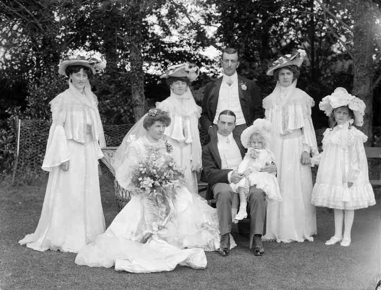 old family wedding photo