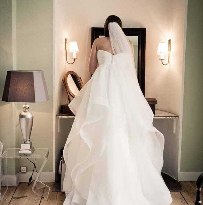 77e1302d Guide til skræddersyede brudekjoler - Bryllup og alt om ...