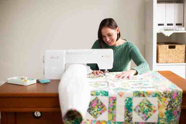 Baby Lock Jazz II 12-inch Quilting and Sewing Machine