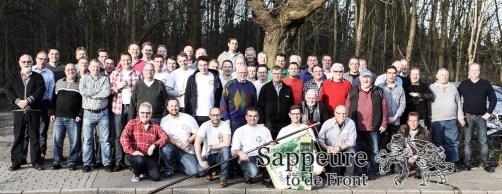 Gruppenbild aller ehemaligen und aktiven Sappeure