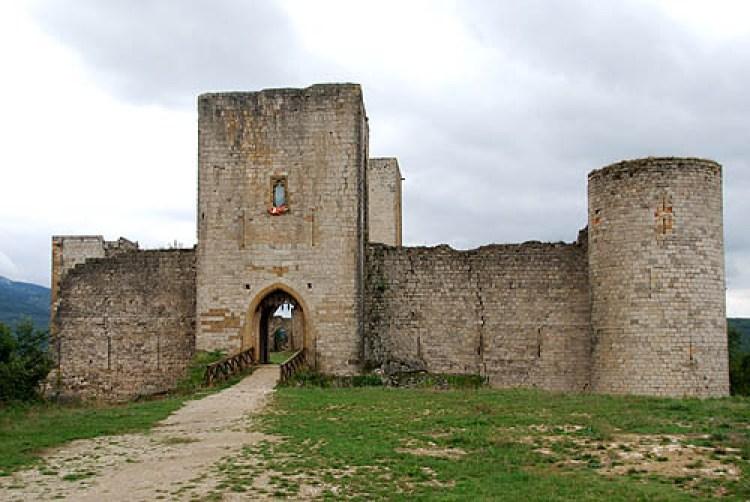 Location Château de Puivert situato vicino alla città di Carcassonne nella regione Linguadoca-Rossiglione - FRANCIA.