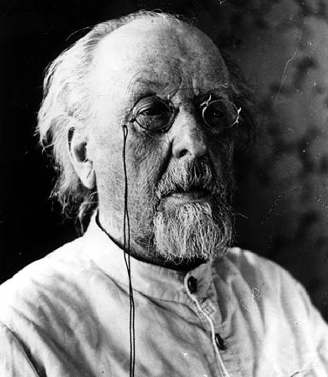 Konstantin Tzjolkovskij (1857 – 1935)