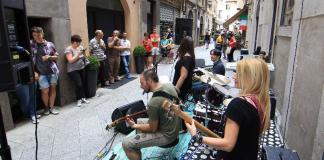 Alcuni musicisti nella città di Brescia