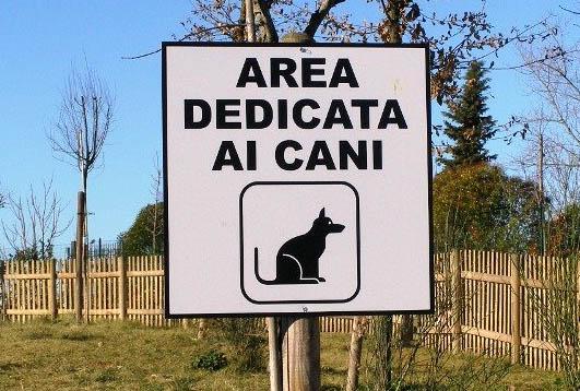 Il cartello che indica un'area cani