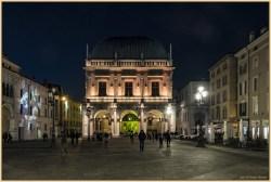 Brescia di notte - Foto Giorgio Baioni (novembre 2016) - www.bsnews.it
