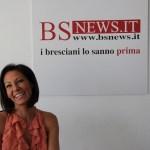 La sexybarista di Bagnolo Mella Laura Maggi in visita alla redazione di BsNews nel luglio del 2012 - www.bsnews.it
