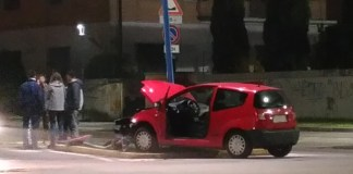 Incidente in via Vallecamonica a Brescia, foto www.bsnews.it