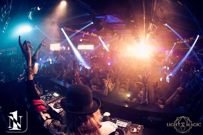 L'interno della discoteca Number One di Corte Franca, foto presa da Facebook, www.bsnews.it