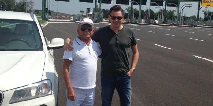 Battista Riva, fondatore di Tepa Sport, in uno scatto con un nipote