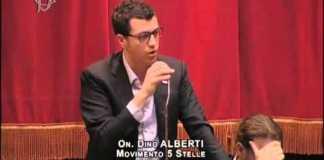 Il deputato del Movimento 5 Stelle Ferdinando Alberti, foto da YouTube - Parlamento, www.bsnews.it