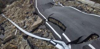 Un tratto di strada franato - www.bsnews.it