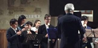 L'orchestra di flauti della scuola Carducci di Brescia, foto Cristina Minini, www.bsnews.it