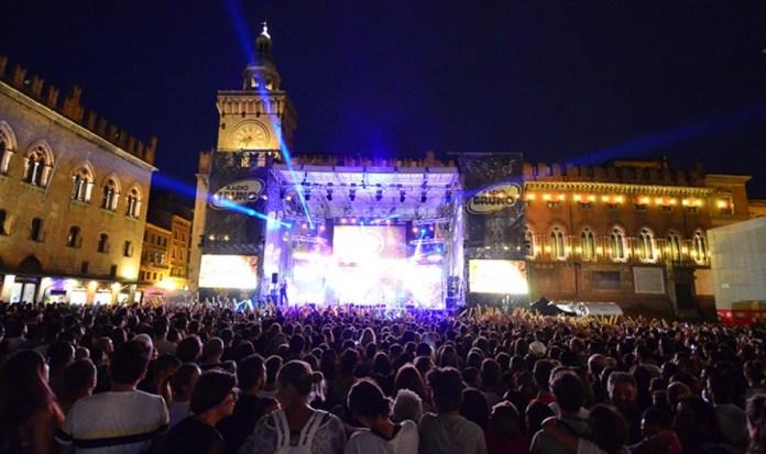 L'apertura del tour di Radio Bruno a Bologna