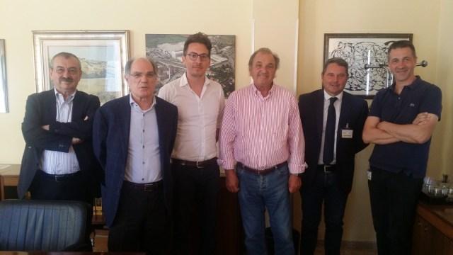 Il presidente della Provincia di Brescia Pier Luigi Mottinelli in visita alle Trafilerie Gnutti di Chiari, foto da Provincia