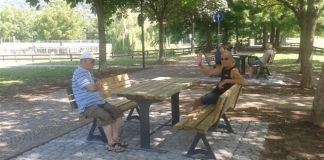Un'area attrezzata con nuove panchine al parco Ducos 2 di Brescia, foto Comune di Brescia