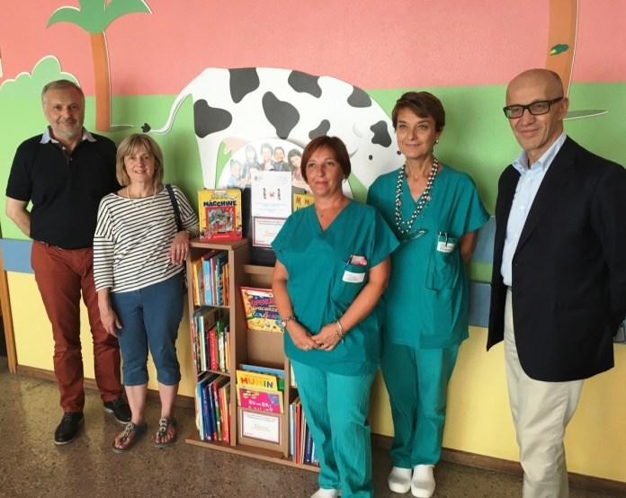 La libreria donata alla pediatria dell'ospedale di Desenzano