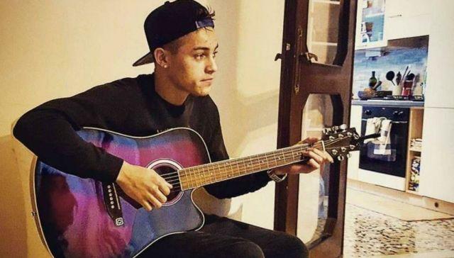 Einar Ortiz, cantante bresciano di origini cubane che cerca di conquistare XFactor, foto da Facebook