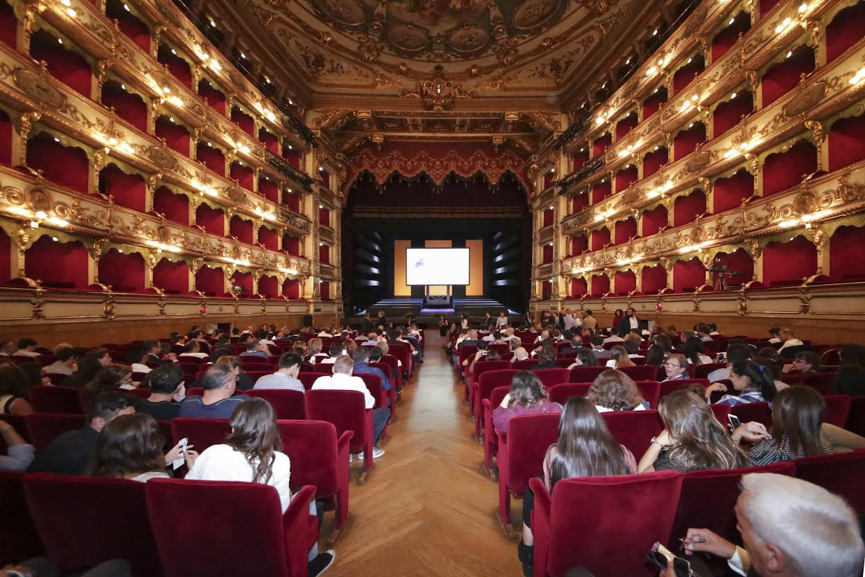 Il grande il primo teatro in italia con spettacoli per for Ciechi in italia