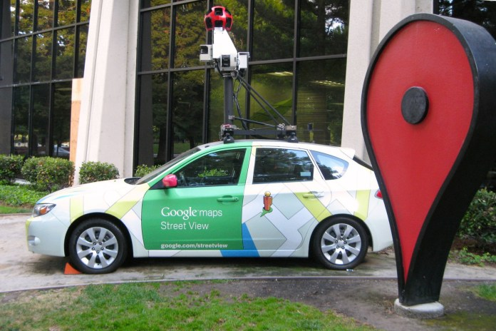 La Google Street View Car, foto da web