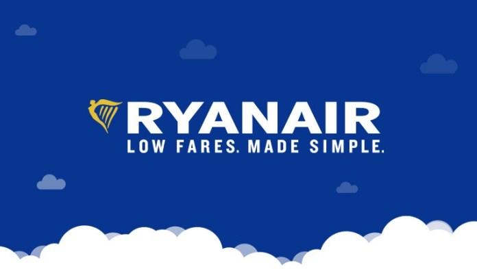 Il logo Ryanair con uno slogan
