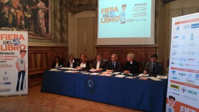 Il tavolo dei relatori di Librixia