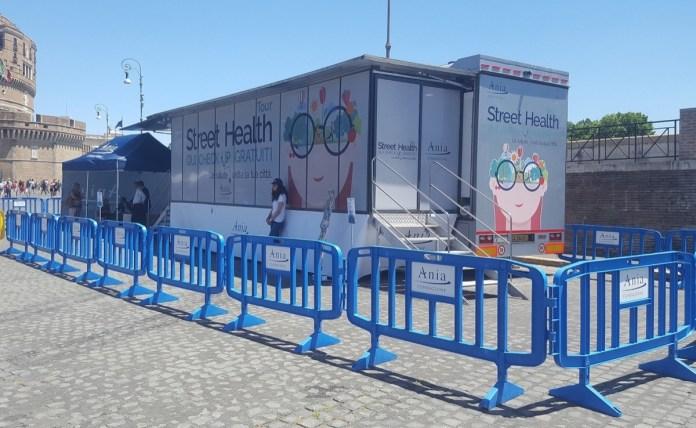 Il truck della salute di Fondazione Ania arriva a Brescia