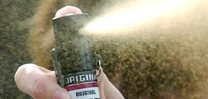 Spray urticante a Brescia