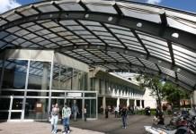 Ingresso facoltà di Medicina - Università di Brescia