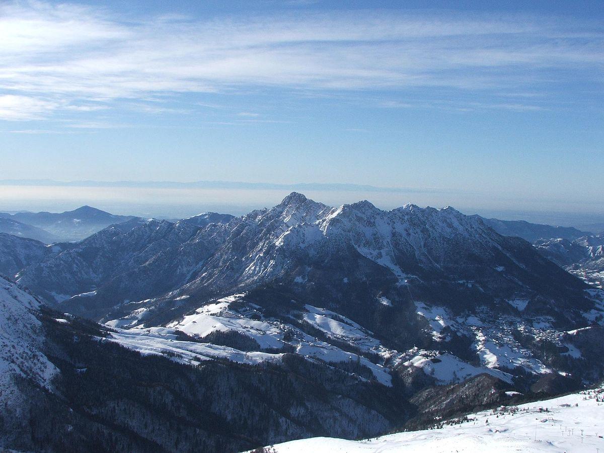 Elicottero precipita sul monte Alben: due feriti gravi