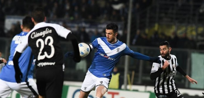 Un'azione di Brescia-Ascoli, foto ufficiale da sito Brescia Calcio