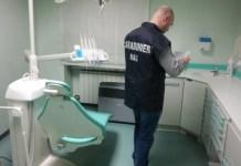 Falso dentista scoperto a Brescia