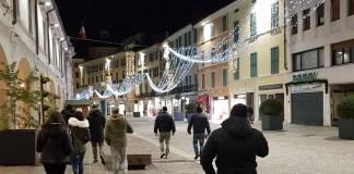 """Forza Nuova ha iniziato le sue """"passeggiate di sicurezza"""" nel centro storico di Brescia (Corso Zanardelli)"""