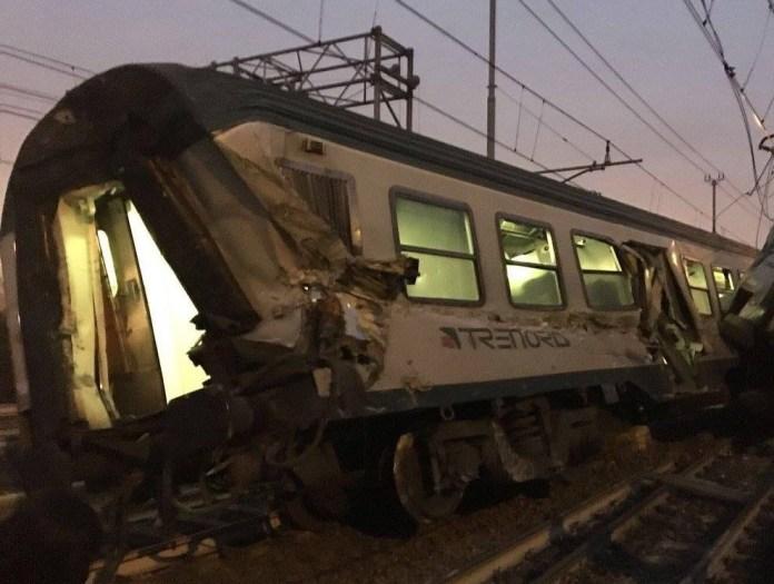 Una foto dell'incidente avvenuto sulla linea per Milano