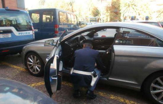 Controlli sulle auto rubate, foto Polizia di Stato