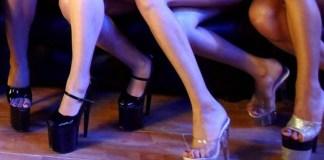 Ragazze in un night club