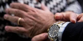 Ladra di orologi in azione a Brescia