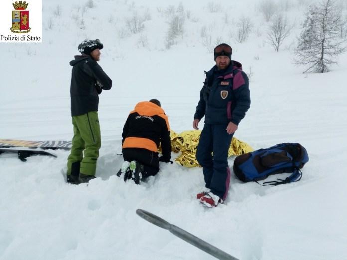 Soccorso sulla neve, foto Polizia di Brescia