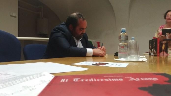 La presentazione del nuovo libro di Nicola Fiorin nella sede Pd di Rovato, foto Andrea Tortelli per BsNews.it