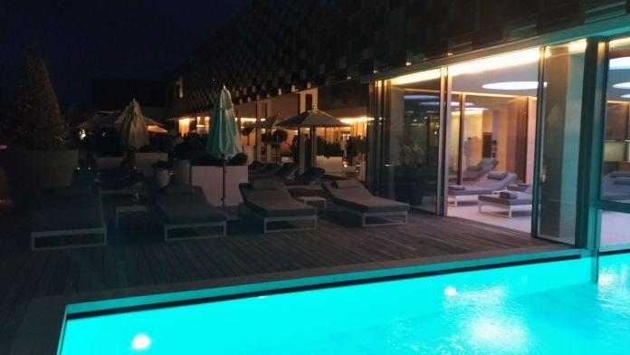 Un'immagine degli esterni del Villa Eden Luxury Resort di Gardone Riviera, foto Andrea Tortelli per BsNews.it