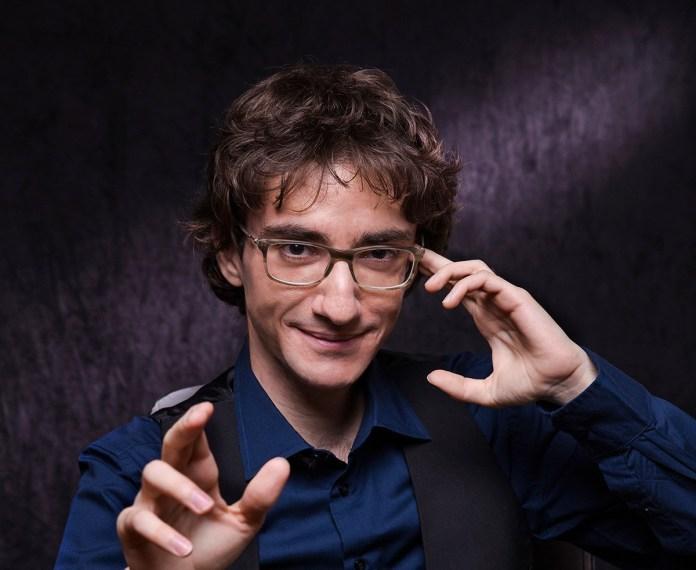 L'illusionista bresciano Christopher Castellini