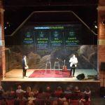 Davide Cornacchione e Francesco Buffoli, cofondatori di ContaminAzioni, sul palco del Der Mast, foto Andrea Tortelli per BsNews.it