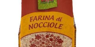 La farina di nocciole incriminata e ritirata dagli scaffali - foto da www.sportellodeidiritti.org
