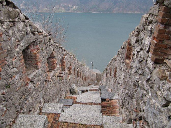 Un passaggio della Rocca d'Anfo
