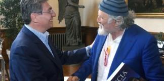 Moni Ovadia qusta mattina in visita dal sindaco Emilio Del Bono. Brescia 4 luglio2017 Ph Christian Penocchio