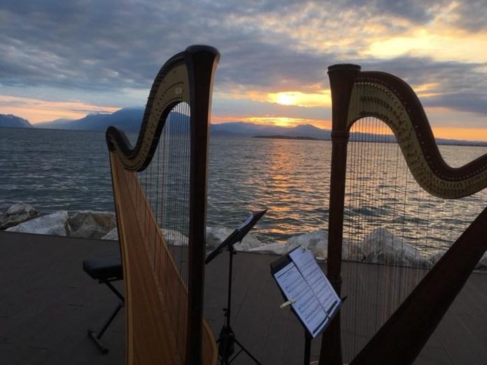Musica sul lungolago - Foto da pagina Facebook di Cieli Vibranti