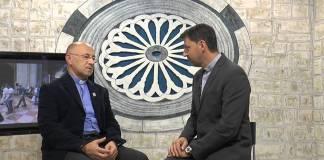 Don Alessandro Tuccinardi con don Adriano Bianchi, foto da YouTube