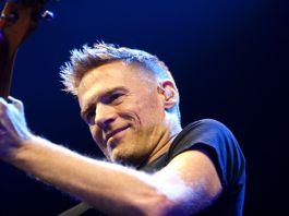 Bryan Adams sarà in concerto a Montichiari, foto da Wikipedia