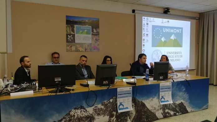 Il tavolo dei relatori dell'incontro dal titolo Acqua e montagna promosso da Acque Bresciane